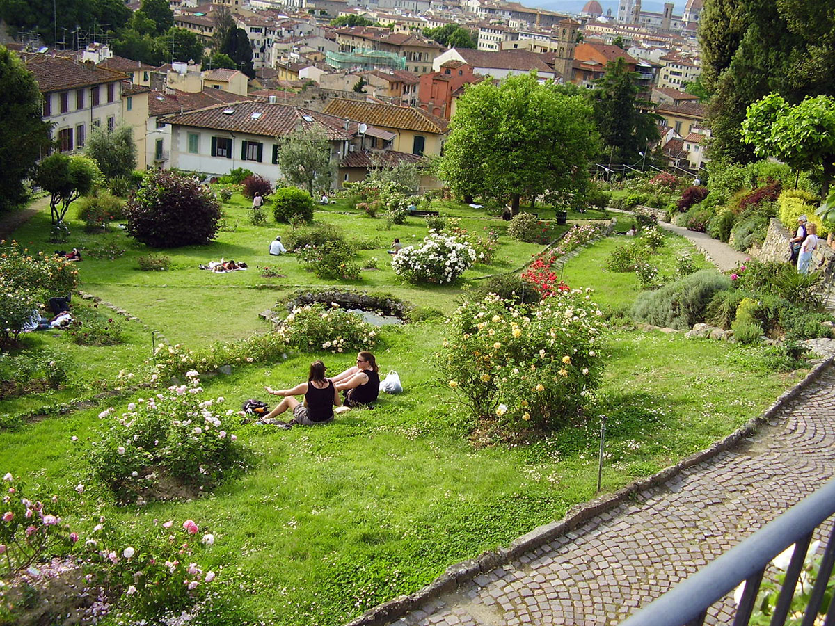Visitare i giardini in fiore di Firenze in primavera